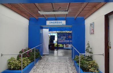 017-acceso-y-rampa-a-zona-de-patio-y-jardin-central-zona-posterior