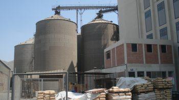 022-silos-de-almacenamiento-de-trigo